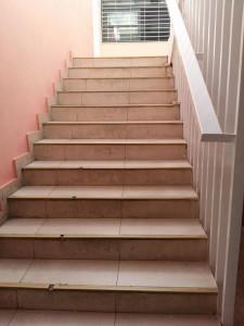 Σκάλα από το ισόγειο στον πρώτο όροφο